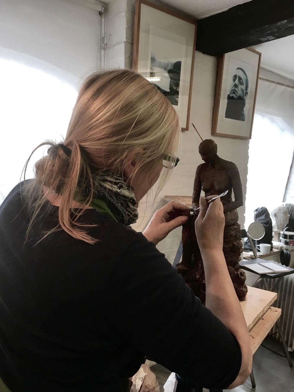 2017.04.28 Photo of Debs Sculpting